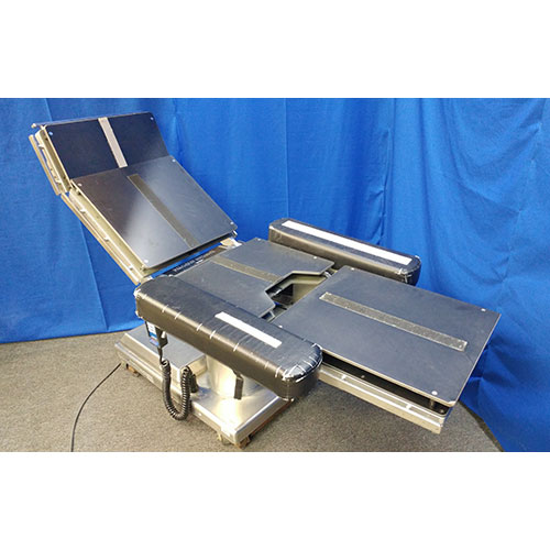 Skytron-Procedure-Table-For-Medical-Office